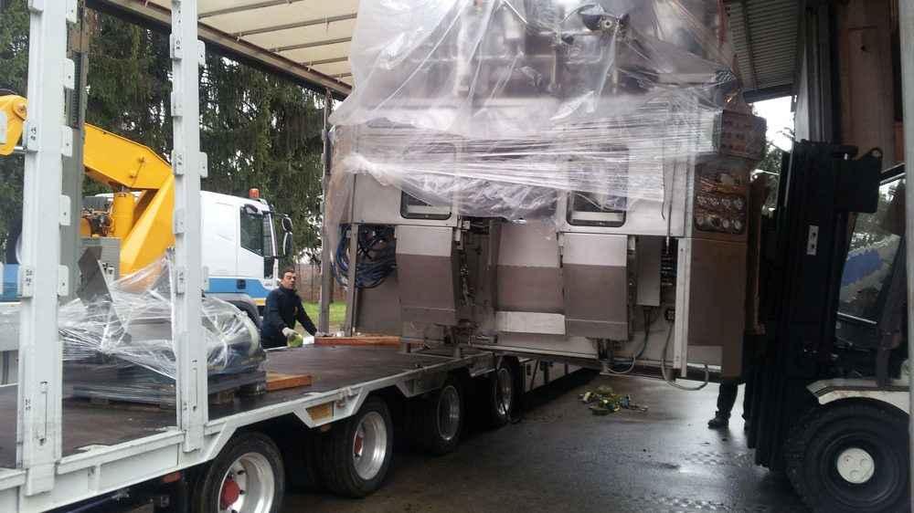 AutotrasportiTerzi-estrazione-trasporto-macchinario-farmaceutico-1